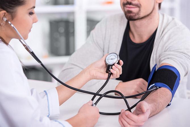 Tips Ketika Menjalani Pemeriksaan Doktor: Adakah Pakaian Anda Juga Memainkan Peranan?