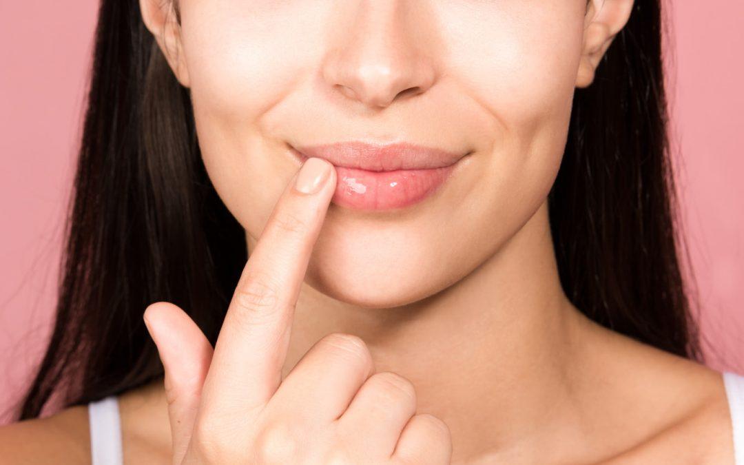 DIY 'Lip Scrub' Agar Bibir Tampil Sihat Dan Merah Jambu